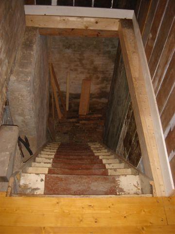 Verbouwing schuur - Beneden trap ...